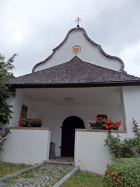 chapelle-a-cote-du-camping.JPG