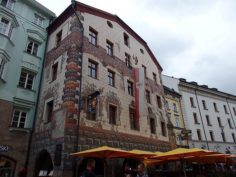 facade-dhotel.JPG