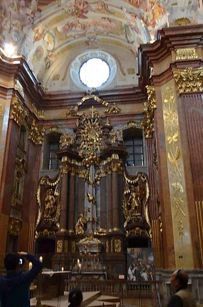 melk-une-des-plus-belle-eglise-baroque.JPG