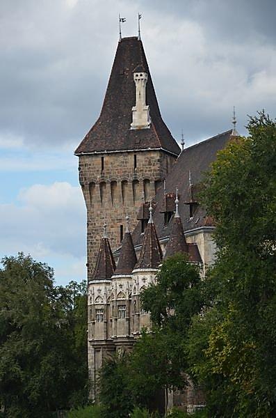 Chateau-de-vajdahunyad-a-pest.JPG