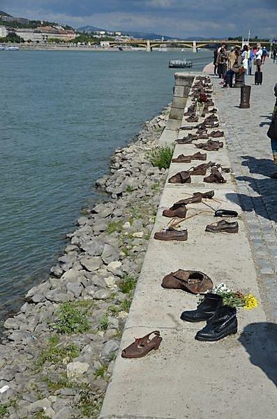 quai-des-chaussure-a-pest.JPG